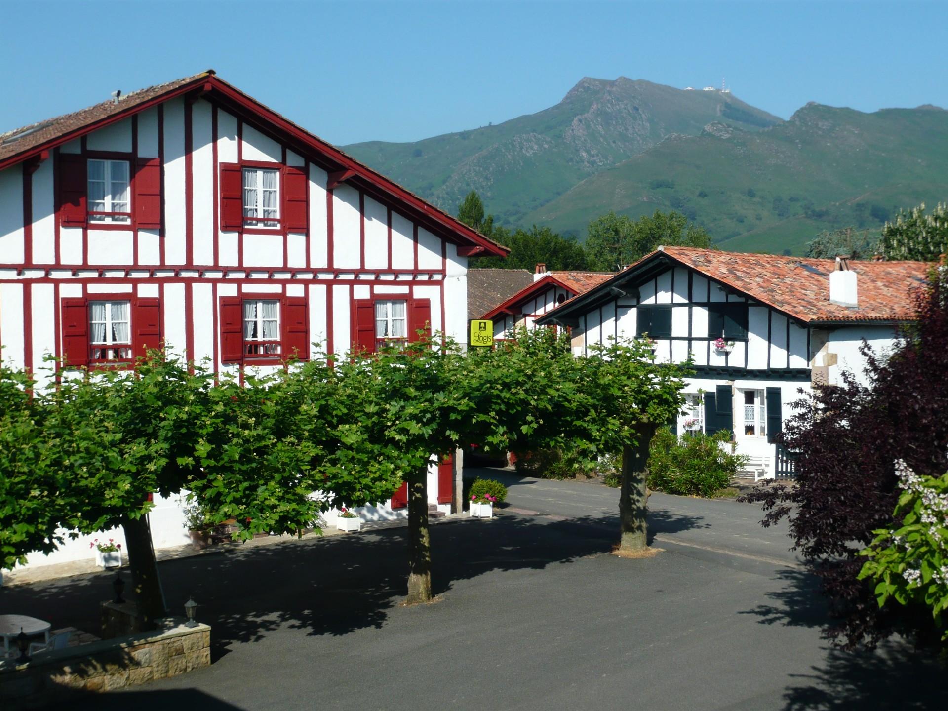 Restaurant Sur La Mer Dans Le Pays Basque